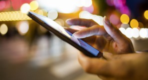 5 Mobile Apps for Staying in Touch While on an Australian Working Holiday